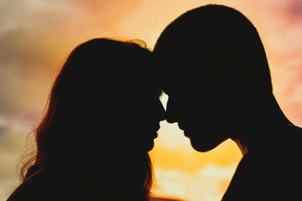 signs he wont marry you, reason your mr.right might be mr.wrong, reason he will break up with you