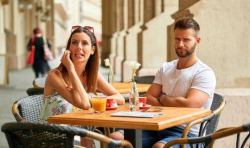7 Things Women Do That Turn Men Off